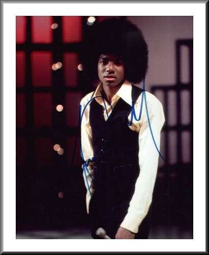 Michael Jackson (1958-2009) Awesome Vintage Autographed Photo - Wow!