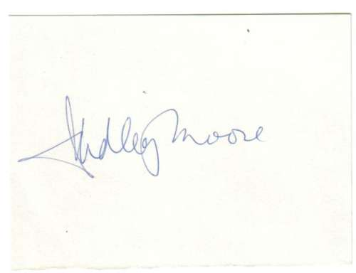 Dudley Moore (1935-2002) Autographed 3x4 Index Card!