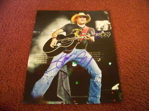 Jason Aldean Awesome On-Stage Autographed 11x17 Photo - Cool!