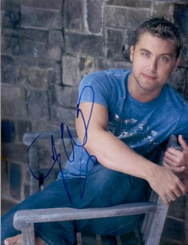 Lance Bass 'Nsync' Awesome Signed 8.5X11 Photo!