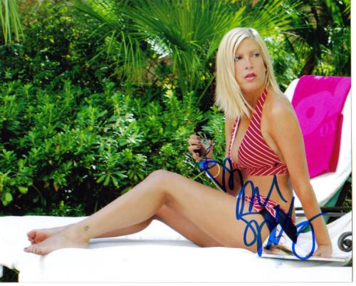 Tori Spelling Poolside Autographed Photo!