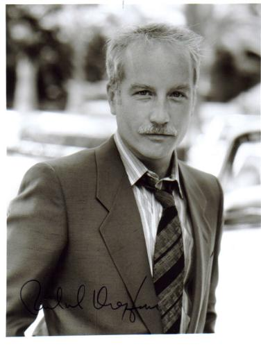 Richard Dreyfuss Very Handsome Signed Photo!