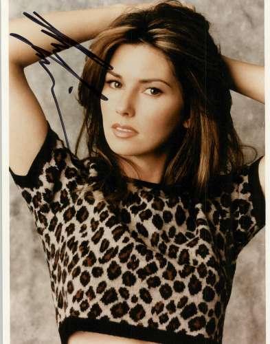 Shania Twain Very Pretty Autographed Photo!