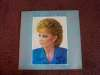 Reba McEntire 'Greatest Hits' Autographed Album Cover with LP!